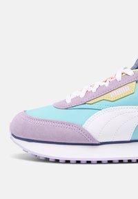 Puma - FUTURE RIDER SLASH - Baskets basses - light lavender/pink lady - 5