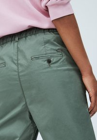 Pepe Jeans - BREEZE - Chinos - verde caqui - 4