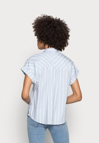 Tommy Hilfiger - STRIPE RELAXED SHIRT - Button-down blouse - blue - 2