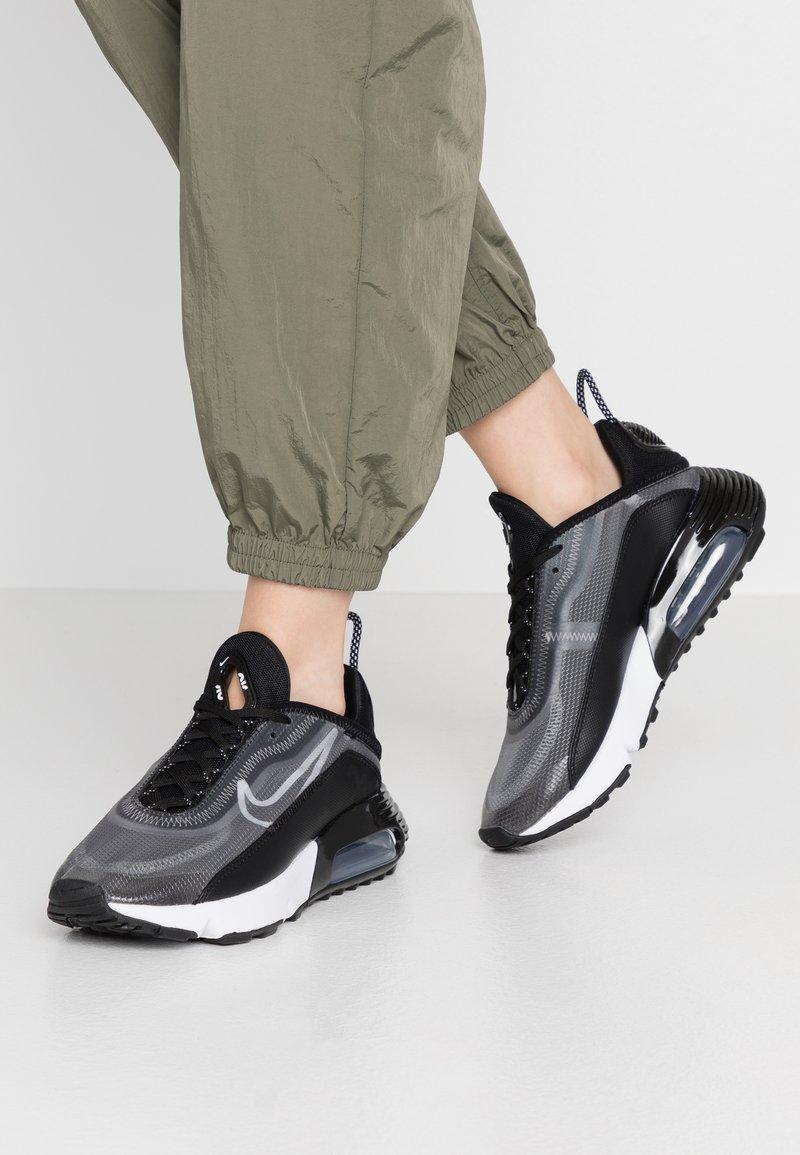 Nike Sportswear - AIR MAX 2090 - Sneakers - black/white/metallic silver