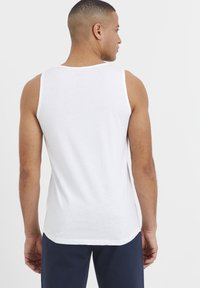 Solid - 2PACK - Top - white - 2