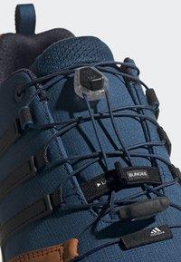 adidas Performance - TERREX SWIFT R2 SHOES - Hikingsko - blue - 6