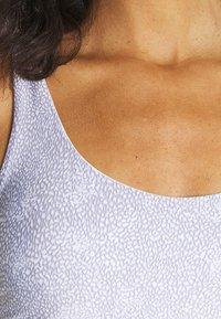 Cotton On Body - STRAPPY SPORTS CROP - Light support sports bra - blue - 5