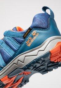 Jack Wolfskin - THUNDERBOLT TEXAPORE LOW  - Hikingschuh - blue/orange - 2
