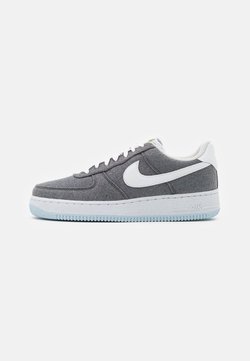 Nike Sportswear - AIR FORCE 1 '07 UNISEX - Sneakers basse - iron grey/white/barely volt/celestine blue