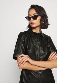 Object Petite - OBJPRIA L DRESS  - Denní šaty - black - 3