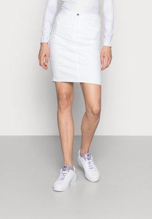 Blyantskjørt - bright white