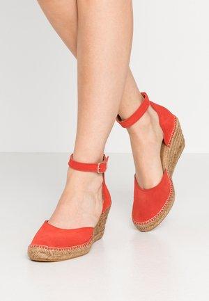 SALOME - Platform heels - coral red