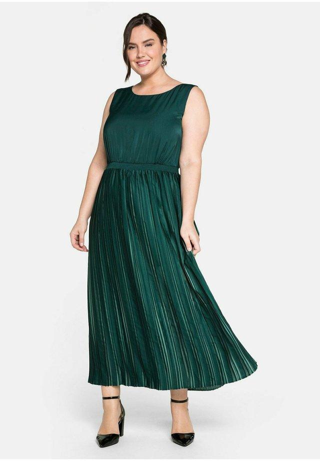 Cocktail dress / Party dress - tiefgrün