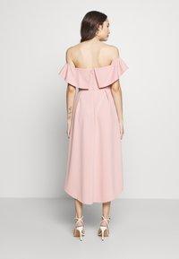 Chi Chi London Petite - WANDA DRESS - Sukienka koktajlowa - mink - 2