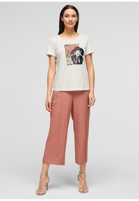 s.Oliver BLACK LABEL - MIT FRONTPRINT - Print T-shirt - white - 3
