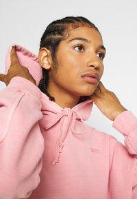Levi's® - HOODIE - Hoodie - blush garment - 3