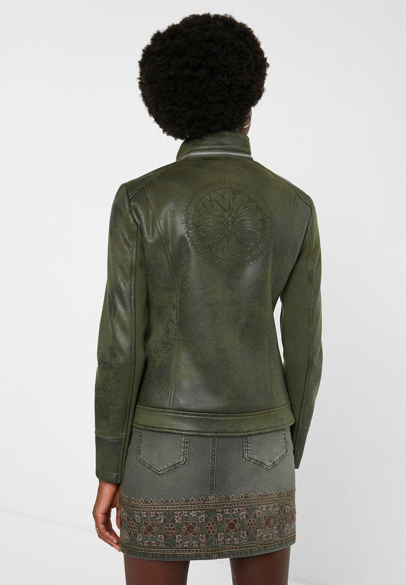 Desigual BROWARD - Kunstlederjacke - green/grün XZIPG9