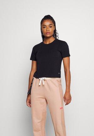 DRY FASH - Basic T-shirt - true black