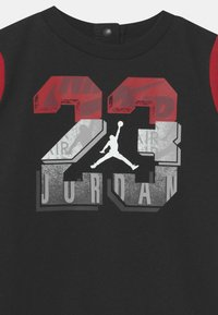 Jordan - GEO FLIGHT UNISEX - Jumpsuit - black - 2
