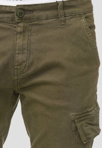 INDICODE JEANS - AUGUST - Cargohose - army - 3