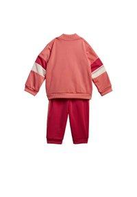 adidas Performance - FAVOURITES TRAINING SPORTS TRACKSUIT BABY SET - Tracksuit - red - 10
