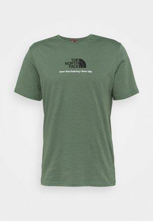 NEW CLIMB TEE - T-shirt imprimé - laurel wreath green