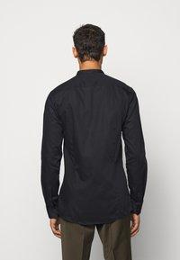 HUGO - ENRIQUE - Camicia - black - 2