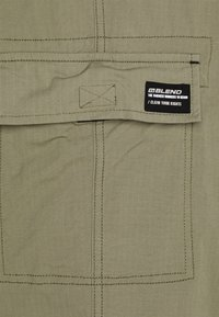 Blend - PANTS - Cargo trousers - dusty olive - 2