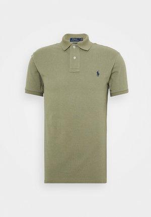 SLIM FIT MODEL - Polo shirt - sage green