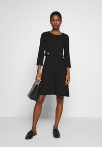 Anna Field - PUNTO FIT & FLARE - Robe en jersey - black - 1