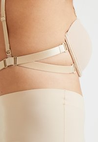 MAGIC Bodyfashion - MAGIC MULTI WAY BRA - Sujetador sin tirantes/multiescote - latte - 4