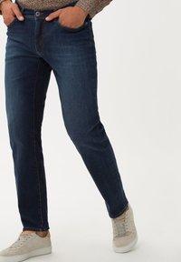 BRAX - STYLE CADIZ - Jeans a sigaretta - lake water - 0