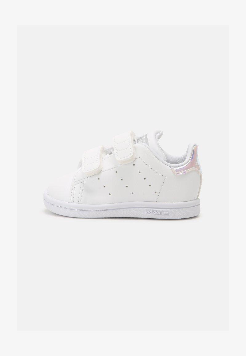 adidas Originals - STAN SMITH UNISEX - Trainers - white/silver