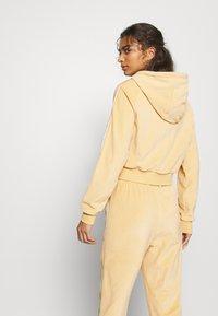 adidas Originals - CROP HOOD - Zip-up hoodie - hazbei - 2