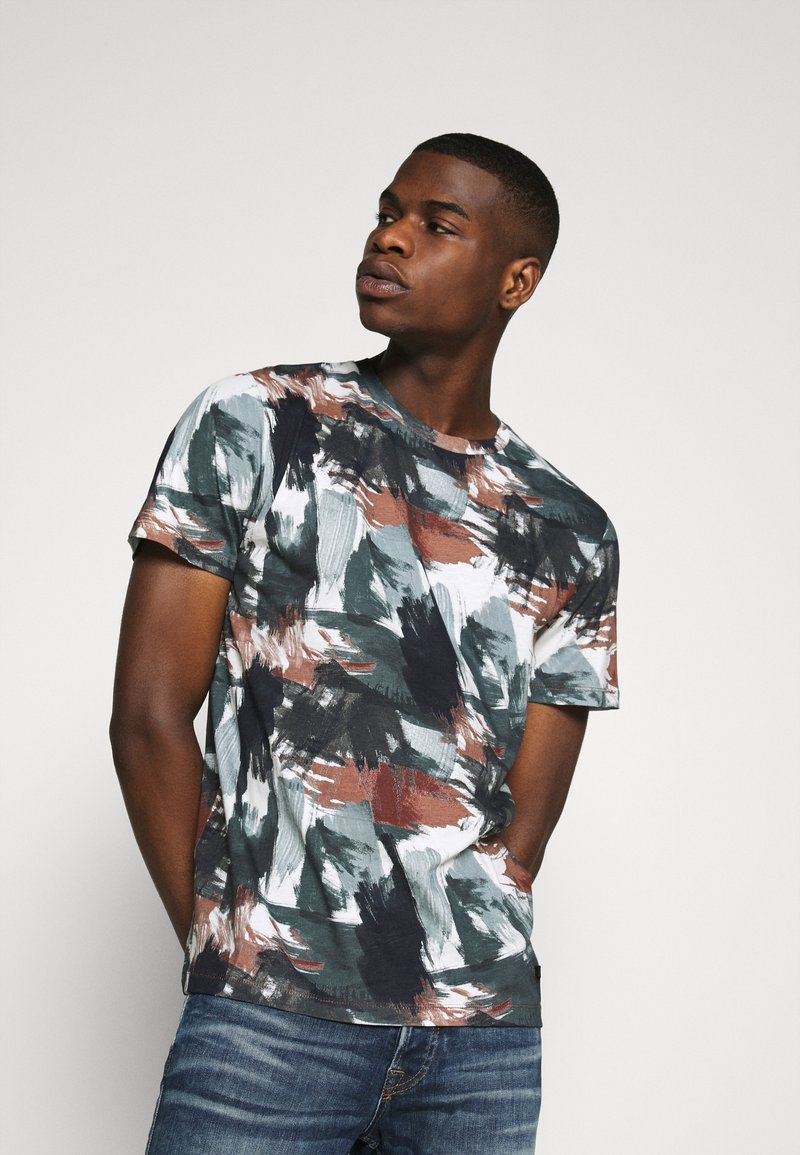 Jack & Jones PREMIUM - JPRBLASTOKE TEE CREW NECK - T-shirts print - smoked
