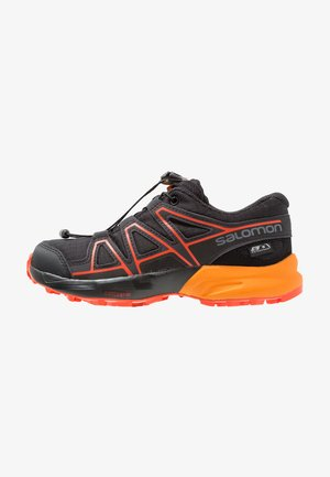 SPEEDCROSS CSWP - Hiking shoes - black/tangelo/cherry tomato
