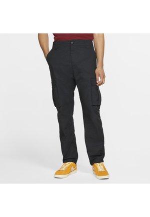 NIKE SB FLEX FTM SKATE TROUSERS - Cargo trousers - black