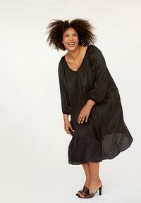 INAN ISIK - Day dress - schwarz - 0