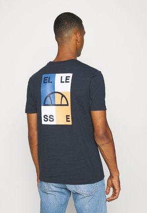 ALTUS TEE - Print T-shirt - navy