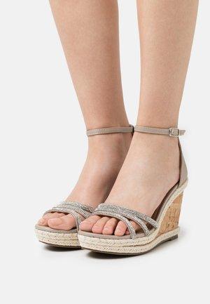 RAPTURE DIAMONTE WEDGE - Platform sandals - silver
