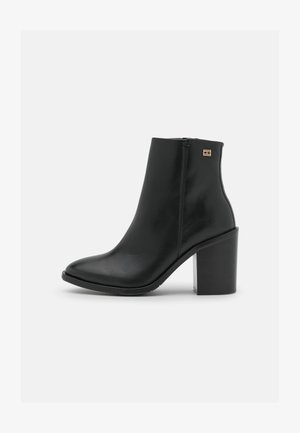 FLAG STUD BOOT - Ankle boots - black