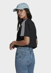 adidas Originals - LOOSE FIT TEE - T-shirt con stampa - black - 2