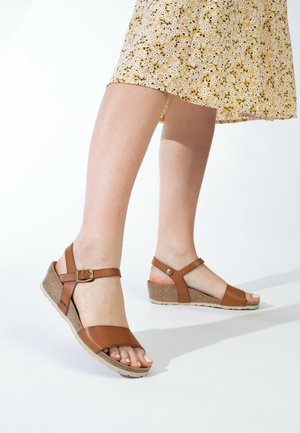 WODONGA - Sandalen met sleehak - tan