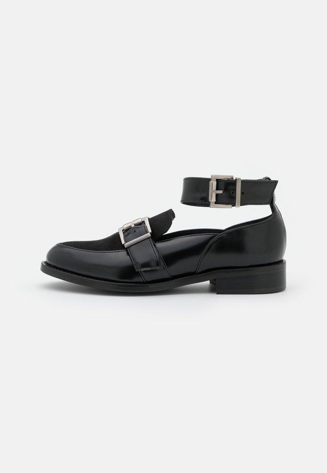 LUNA VEGAN  - Nazouvací boty - black