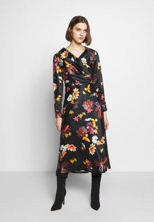 OBSESSIONS DRESS - Denní šaty - black