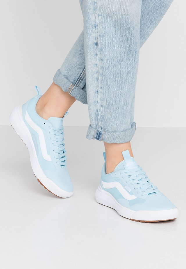 ULTRARANGE EXO - Tenisky - crystal blue/true white