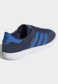 adidas Originals - JOGGER - Trainers - blue - 4