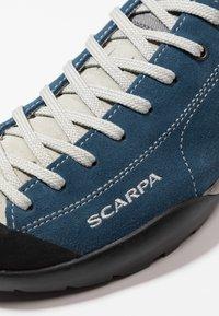 Scarpa - MOJITO UNISEX - Hiking shoes - ocean - 5