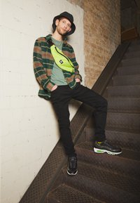 Nike Sportswear - AIR MAX 95 - Baskets basses - black/electric green/smoke grey - 0