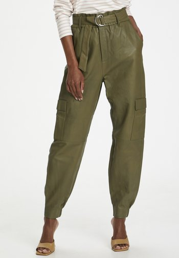 Leather trousers - capers