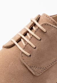 Pier One Wide Fit - Lace-ups - nude - 2