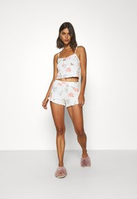 Gilly Hicks - PRINTED COZY SHORT - Pyjama bottoms - white - 1