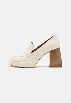 High heels - panna