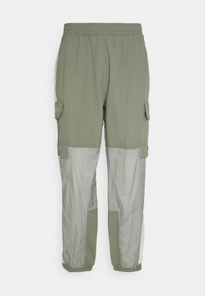 STEEP TECH LIGHT PANT - Pantaloni cargo - agave green/wrought iron/green mist